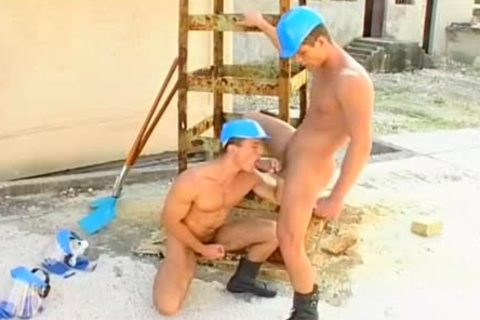 Buff Workmen penis Stevens & Julio Carillo Assfucking outside
