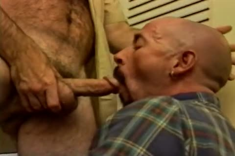 daddy men engulf 10-Pounder And Milk Prostate In Bedroom