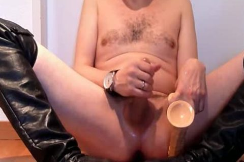 Jerking Wearing black Over-knee High-heels With fake ramrod And Cumming
