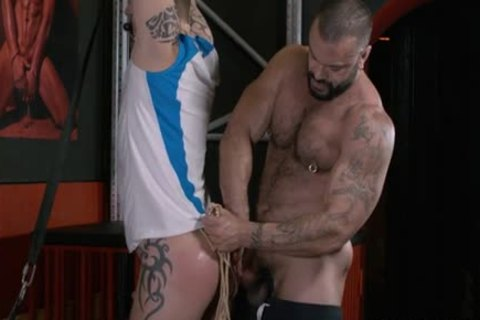 Rogan Richards Uses mad Sub