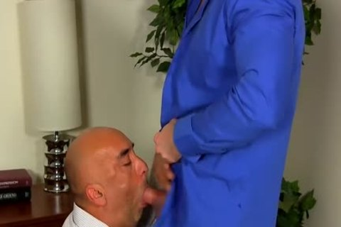 Shay Michaels plows His Annoying Boss Brian In His arsehole