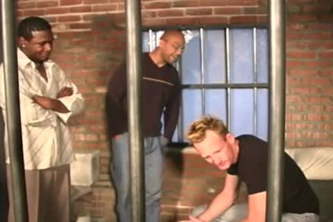 White lad receives pounded In The Prison By Blacks