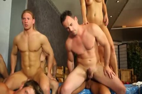 plenty of Bi Couples plowing together
