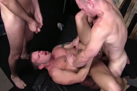bareback 3some - Saxon West, Chris And Shane