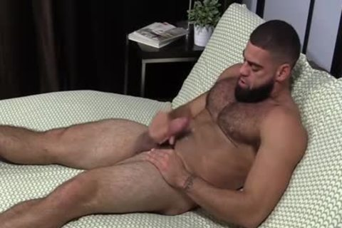 pumped up Ricky Larkin wanking Off whilst Toes Are Sucked