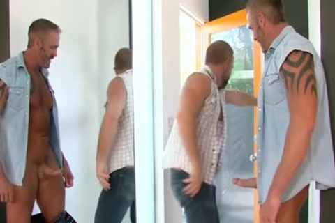 Buff Bear nails darksome hole - BoyFriendTVcom