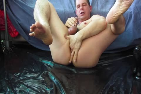 POPPERS MASK AND PROSTATE MILKING EDGING VID.