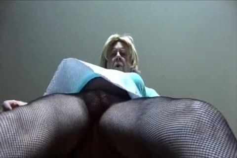 stunning Gigi - Looking delicious In Fishnet pantyhose