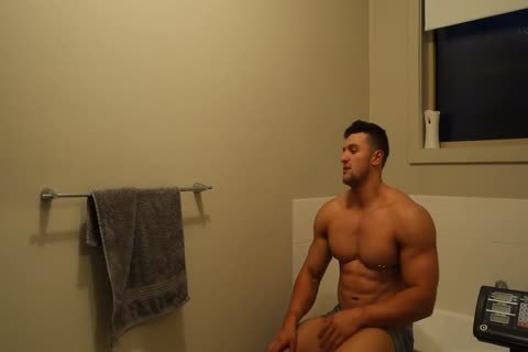 Aussie Muscle stud Showers