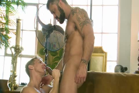 Rogan Richards bangs Darius Ferdynand