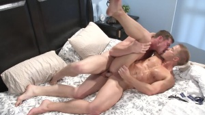 Top To Bottom 3 - Connor Maguire & Liam Magnuson anal sex