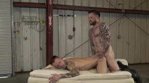 Warehouse Chronicles: Boot bondman - anal Love