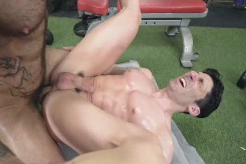 Atlas Barebacks Sir Jet At The Gym