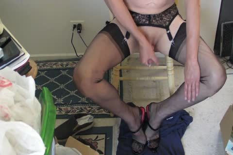 dark RHT nylons, Heels And cum