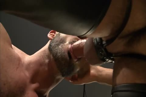 juicy Muscle Leathermen nail