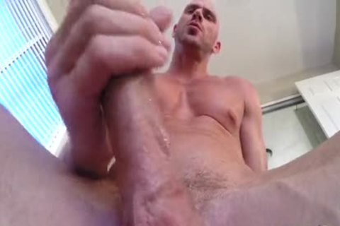 SinsLife - Porn dude Johnny Sins Jerks Off whilst Working Out