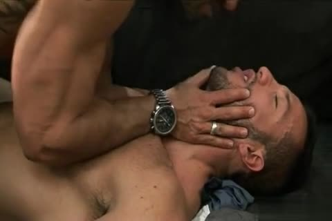 Rogan Richards pokes Dato Foland
