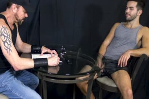 Bottom stud Riley Ross Blindfolded And Face-poked