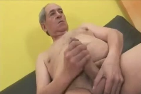 Crossdresser sucking & poked By older Daddy