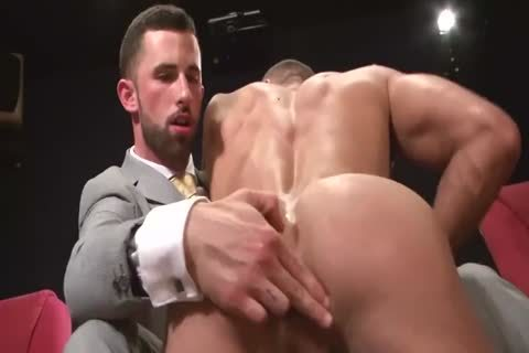 2 pretty men Having Sex In A Clip