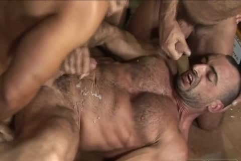 Poppers Trainer - Sleaze It Up