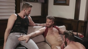IconMale.com - Wesley Woods with Link Parker handjob