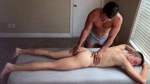 Next Door Homemade: Super slim & muscle Ryan Evans massage