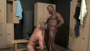 ExtraBigDicks.com: Gay Aaron Trainer helps with hard sex