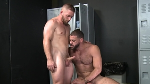 ExtraBigDicks.com: Ricky Larkin as well as muscled Scott Riley