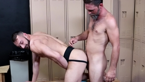 ExtraBigDicks: Hairy and muscled Joe Parker kissing at the gym