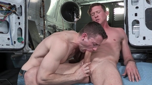 FalconStudios.com: Jack off with tight star Pierce Paris