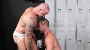 MenOver30 - Muscle european gay Jacob Woods jerking huge penis