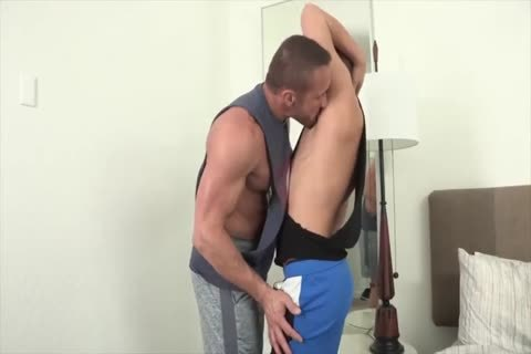 attractive older fellow bonks A Muscled blond twink