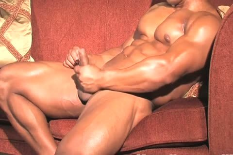 Muscle Japanese Daddy Cums And Takes A Shower